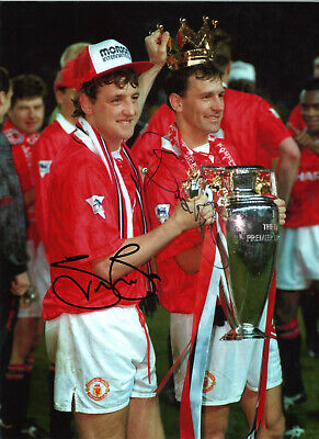 Bryan Robson Steve Bruce Manchester United signed football photograph SS535A