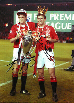 Bryan Robson Steve Bruce Manchester United signed football photograph SS535B