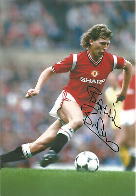 Bryan Robson Manchester United signed authentic 12x8 football photograph SS534H