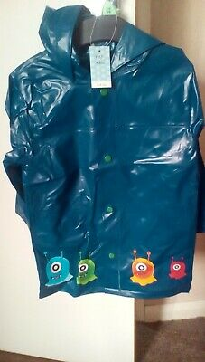 Child's raincoat -Age 3-4 yrs (New with tags)