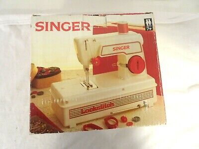 Singer Children's Lockstitch battery sewing machine with originaol box   RW