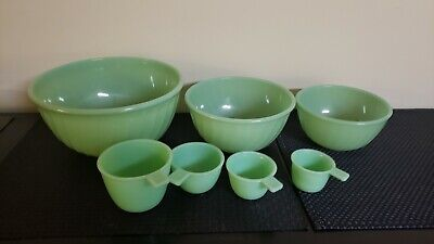 3 Fire King Jadeite Swirl/Shell Mixing Bowls And Jadeite Measuring Cups