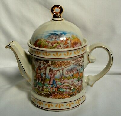 Windsor Teapot - Hunting Scene - Made in England  - Charming