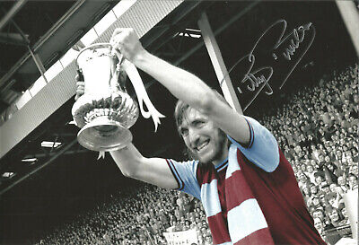 Billy Bonds West Ham signed 12x8 inch authentic football photograph SS675