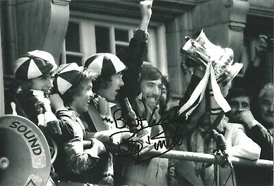 Billy Bonds West Ham signed 12x8 inch authentic football photograph SS675B