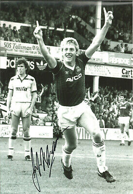 Frank McAvennie West Ham signed 12x8 inch authentic football photograph SS658A