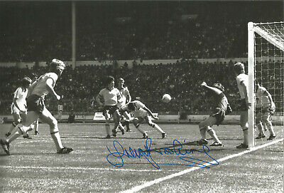 Trevor Brooking West Ham signed 12 x 8 inch authentic football photograph SS679B