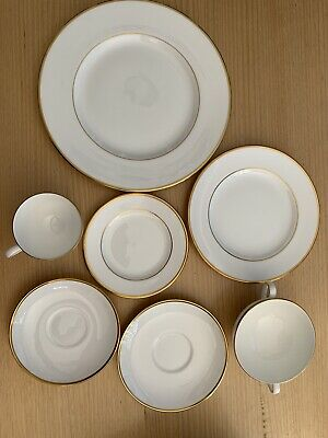 Wedgwood 42-piece dinner-set California design white w/gold trim, excellent cdtn