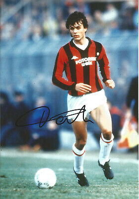 Paolo Maldini AC Milan Signed 12 x 8 inch authentic football photograph SS841A