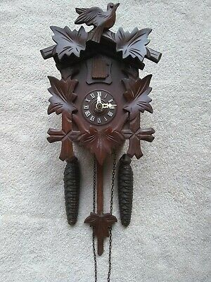 Vintage Black Forest 30 Hour Mechanical Cuckoo Clock excellent working condition