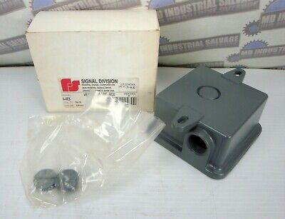 SIGNAL DIVISION - (NEW in BOX) - WEATHERPROOF BOX - MODEL WB - GRAY