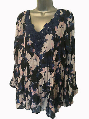 ❤ TOGETHER Size L (14/16) Ladies Navy Blue Floral Crinkle Chiffon Lace Tunic Top