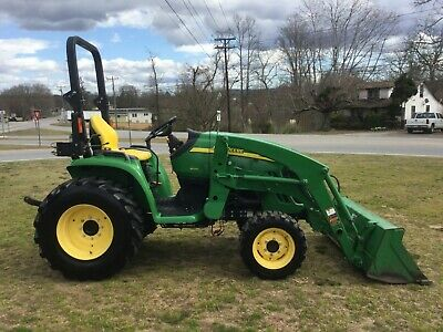 Nice John Deere 3520 4X4 Loader Tractor with Only 884 Hours