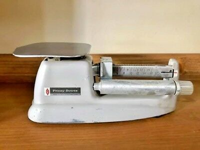 Vintage PITNEY BOWES 16 oz BALANCE BEAM POSTAL SCALE Model 4900 ACCURATE