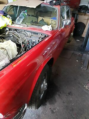 Jaguar xj6 series 2/Daimler barn find fantastic potential