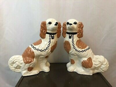 2 King Charles Cavalier Hand Painted Dog Ceramic Figurines Left Right Signed 11