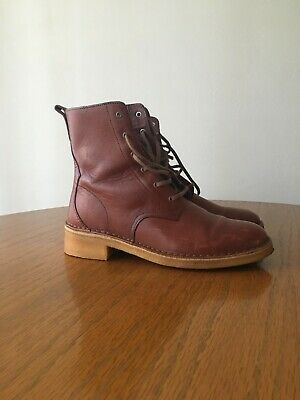 Women's Used Brown Short Boots Size 6 1/2
