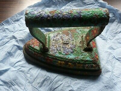 Vintage flat iron number 8? ideal book end or door stop weights 2.85kg