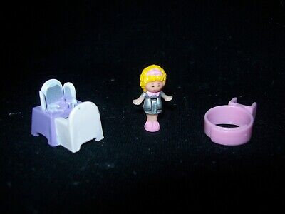 EUC 100% Complete Polly Pocket Dressing-Up Time with Polly 1989 (Lilac Vari)