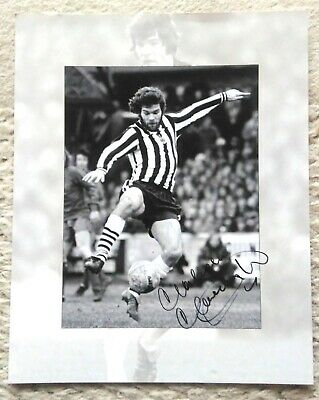 Malcolm MacDonald autograph - Newcastle and England