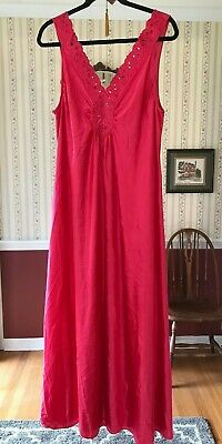 Vintage Vanity Fair Long Nightgown Red Sleeveless V-Front & Back Size L