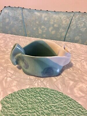 Hilborn Canadian Studio Art Pottery Pinch Pot