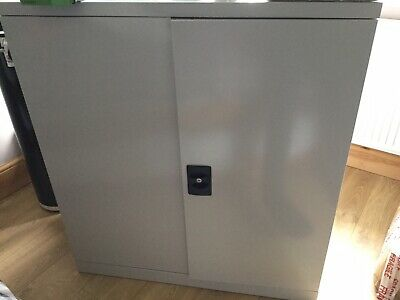 Hydro Grow Cabinet With Loads Of Extras