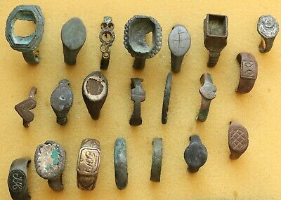 JOB LOT OF 21 AUTHENTIC MEDIEVAL BRONZE RINGS (lot10)