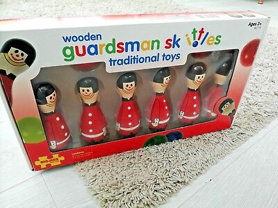 WOODEN TRADITIONAL TOYS..Bigjigs Wooden Guardsman Skittles / Tabletop kids Games