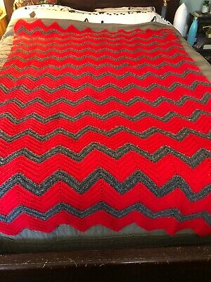Vintage ~ Hand Knitted ~ Acrylic Afghan Chevron Pattern Throw Blanket 4ftx6.5ft