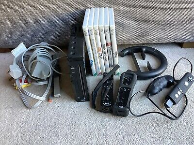 Nintendo Wii console bundle black includes two Controllers + 6 Games