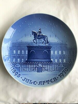 "1970 Copenhagen Christmas Plate - Amatienborg The Royal Palace 9"" Plate"