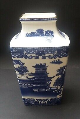 Ringtons Blue And White Willow Story Vase