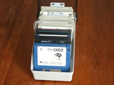 Disk box with 25+ 3.5in PC disks of various software