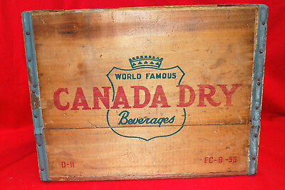 Canada Dry Beverages Wooden Storage Box Crate #FC-9-50 Vintage 1950   M4502
