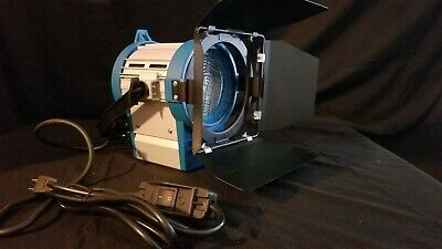 Pro Photo Studio 650w Tungsten Light Fresnel Lens