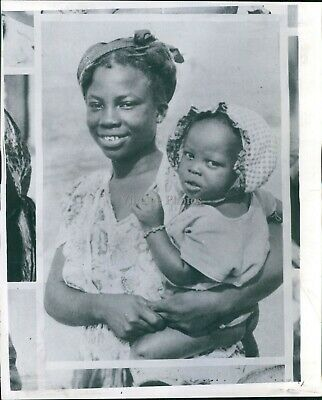 1961 African American Woman Cute Baby Child Uganda Outside Hat Smile Photo 8X10