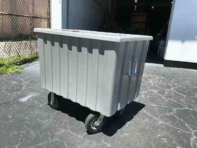 12 Bushel Poly Bulk Box Truck with 8 inch Casters and Semi-Pneumatic Tires