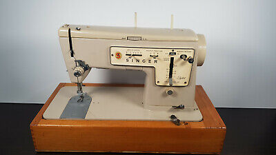 Vintage Sewing Machine Singer Zig Zag Stylist model 457 with pedal