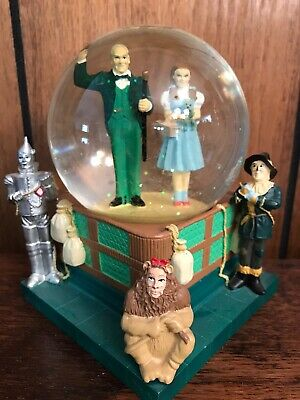 Warner Brothers Studio Stores Wizard Of Oz Snow Globe 1998