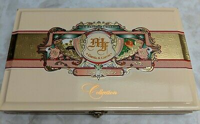 Beautiful GARCIA MY FATHER Collection Off-white WOOD CIGAR BOX Humidor