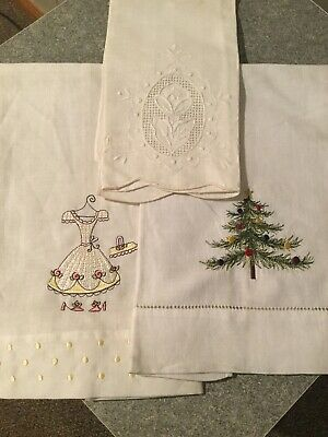 Lot Of 3  Intage Linen Towels