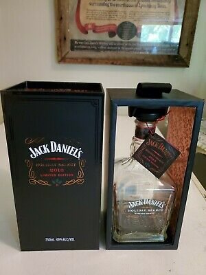 JACK DANIEL'S HOLIDAY SELECT Bottle, Box and Tag 2013
