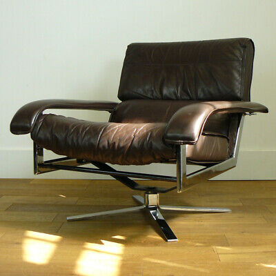 A Good 1970s Vintage Leather Pieff Gamma Swivel Chair