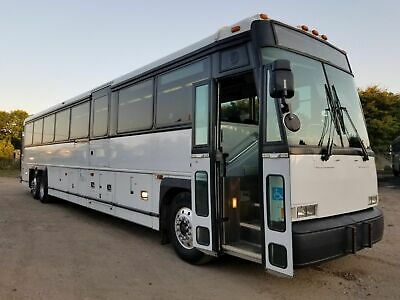 2004 MCI Detroit Series 60 - Perfect Condition!