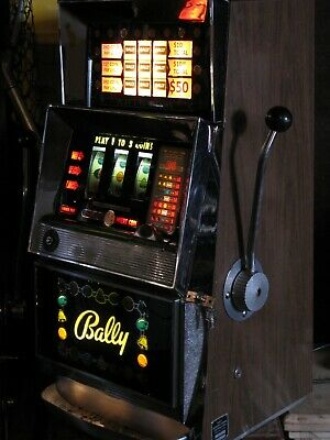 Antique Vintage Bally's Slot Machine' 3 Liner (Model 831 -D) Nice Shape!