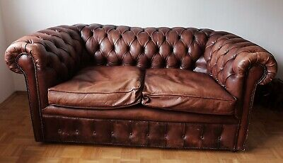 Altes CHESTERFIELD Leder Sofa OXBLOOD Handmade in Great Britain Tolle Patina