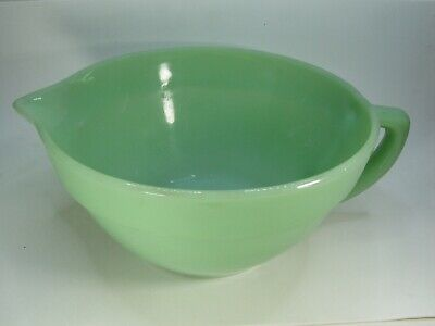 Vintage Fire-King Jadeite Green Mixing Batter Bowl With Handle And Spout Used