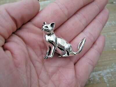 A Large Quality Birmingham Hallmarked Sterling Silver Sitting Cat Statue Figure