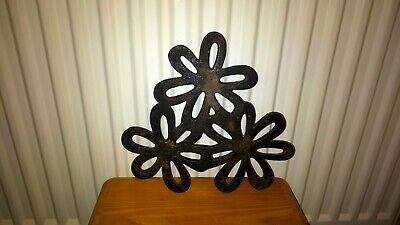 Vintage Cast Iron Trivet Stand Kitchen Hot Pot / Plate Worktop Protector Used